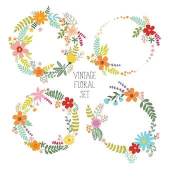 Collezione di cornici floreali. set di fiori vintage disposti onu a forma di ghirlanda.