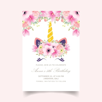 Invito di compleanno floreale per bambini con unicorno carino