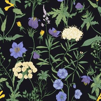 Motivo floreale senza soluzione di continuità con fiori selvatici in fiore e piante da fiore prato