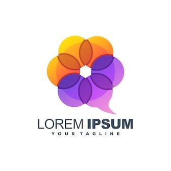 Logo a colori di chat floreale Vettore Premium