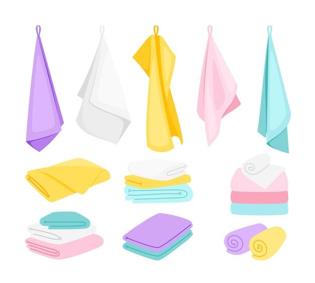 Asciugamani soffici. cartone animato carino articoli da bagno piegati, asciugamani appesi e impilati per cucina, spiaggia e bagno, illustrazione vettoriale di tessuto isolato su priorità bassa bianca