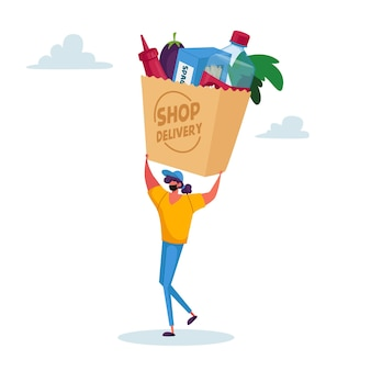 Consegna del cibo. il piccolo personaggio femminile del corriere in maschera porta una borsa enorme con la produzione di generi alimentari al cliente