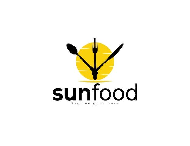 Design del logo alimentare con illustrazione di cucchiaio, forchetta e coltello