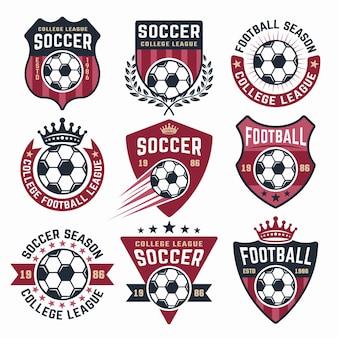 Raccolta di calcio di nove emblemi colorati, adesivi, distintivi o etichette