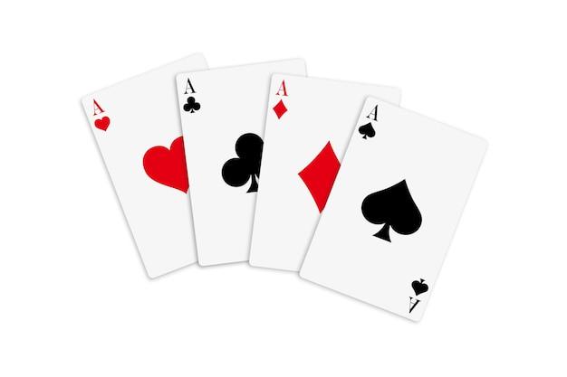 Mazzo di carte a quattro assi per giocare a poker e casinò su sfondo bianco