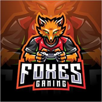 Fox gamer esport con il joystick del game pad