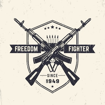 Freedom fighter, design vintage t-shirt grunge, stampa, con fucili d'assalto incrociati