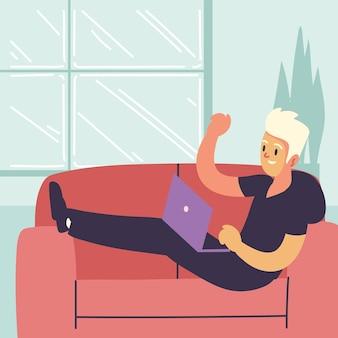 Libero professionista che lavora sul divano