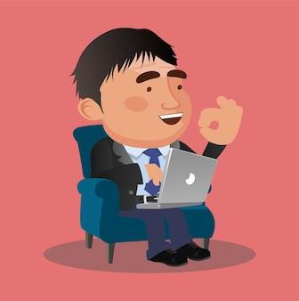 Libero professionista che lavora in remoto dal suo laptop