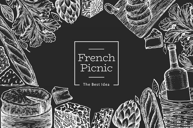 Modello di illustrazione di cibo francese. illustrazioni disegnate a mano del pasto di picnic sul bordo di gesso. spuntino e vino incisi in stile diverso.