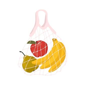Frutta in un sacchetto a rete una varietà di frutta fresca