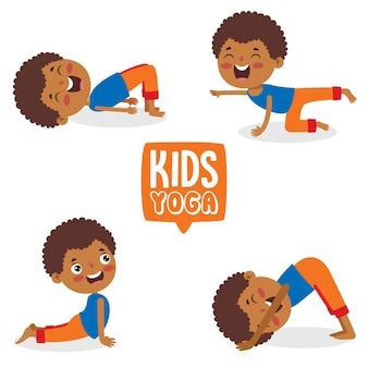 Bambino divertente nella posa di yoga