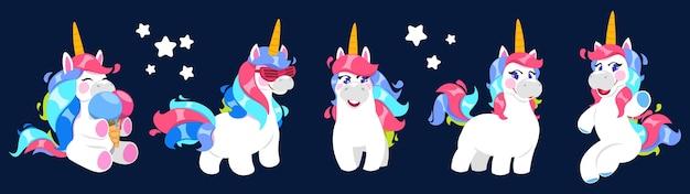 Unicorno divertente. accumulazione dell'unicorno del fumetto di vettore. simpatico pony magico bianco con code colorate