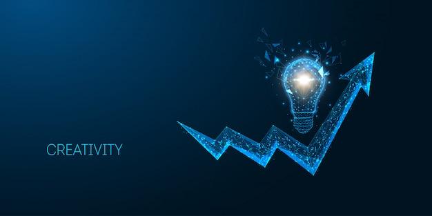 Idea creativa futuristica, strategia aziendale, concetto di successo con lampadina poligonale bassa incandescente e grafico a freccia