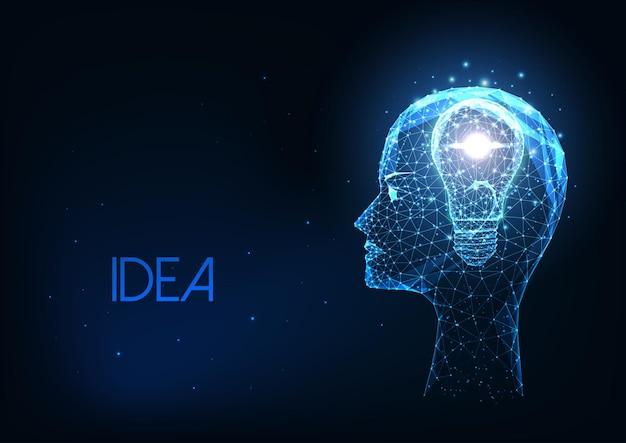 Concetto di idea creativa futuristica con testa umana poligonale bassa incandescente e lampadina isolata