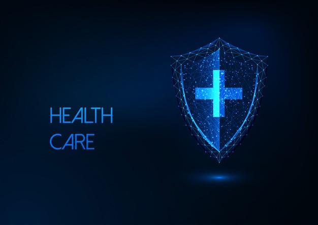 Assistenza sanitaria futuristica, protezione dalle malattie, concetto di immunità con scudo poli basso incandescente e croce Vettore Premium