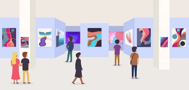 Galleria d'arte moderna con i visitatori. quadri astratti appesi al muro in sala mostre o musei.