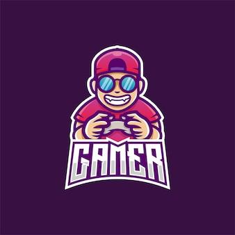 Ragazzo del giocatore che gioca gioco con la mascotte del controller del joystick che indossa il cappello e gli occhiali illustrazione