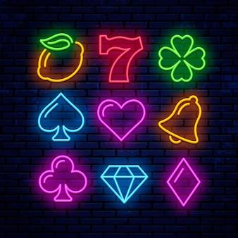 Icone al neon di gioco per il casinò. segni per slot machine.