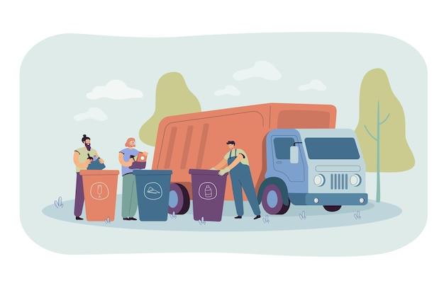 Camion della spazzatura in arrivo per prendere i contenitori di smaltimento con rifiuti e rifiuti