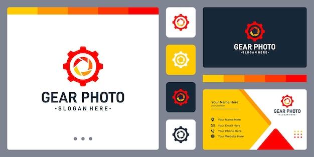 Logo dell'ingranaggio e logo dell'obiettivo della fotocamera. modello di progettazione del biglietto da visita.