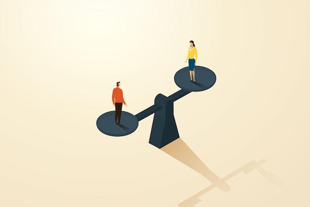 Uomo d'affari e donna d'affari di uguaglianza di genere in piedi su un piatto di pesatura