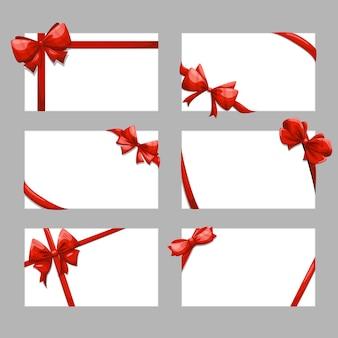 Set di carte regalo con fiocchi.