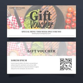 Modello del buono regalo con foto di cibo