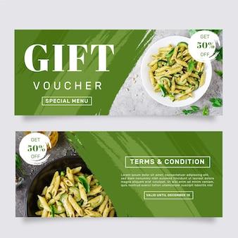 Modello del buono regalo con foto di pasta