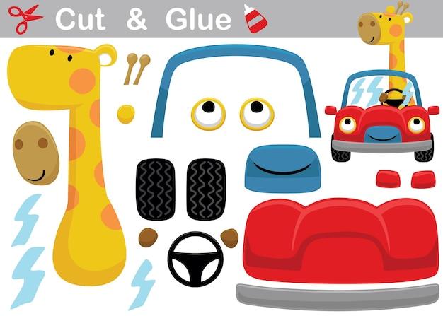 Fumetto della giraffa alla guida di un'auto. gioco di carta educativo per bambini. ritaglio e incollaggio