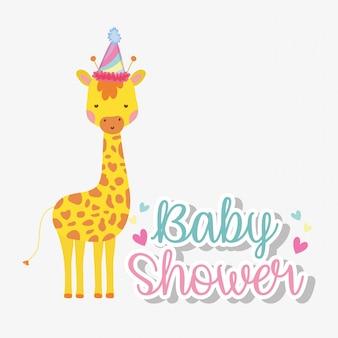 Giraffa indossando il cappello del partito per celebrare baby shower