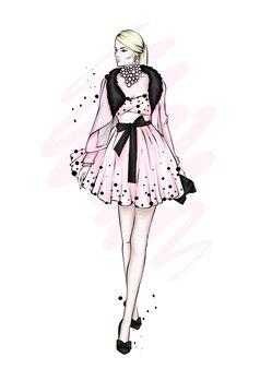 Una ragazza con un bellissimo abito vintage.