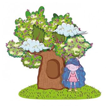 Ragazza fantastica creatura con casa sull'albero e nuvole