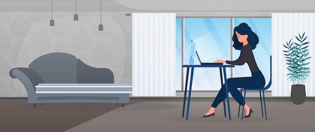 La ragazza con gli occhiali si siede a un tavolo in ufficio. la ragazza lavora su un laptop. il concetto di trovare persone per lavorare, visualizzare offerte di lavoro e curriculum. vettore.