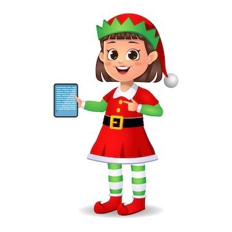 Ragazza ragazzino in vestito da elfo che mostra la scheda