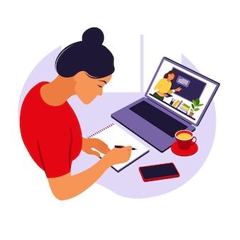 Studio della ragazza al computer concetto di apprendimento online lezione video studio a distanza, illustrazione stile piano