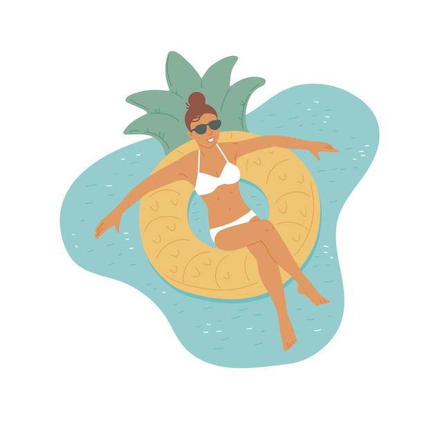 Ragazza in occhiali da sole e costume da bagno nuota su un anello di gomma. vacanza rilassante