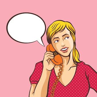 Ragazza che parla sul telefono. comico