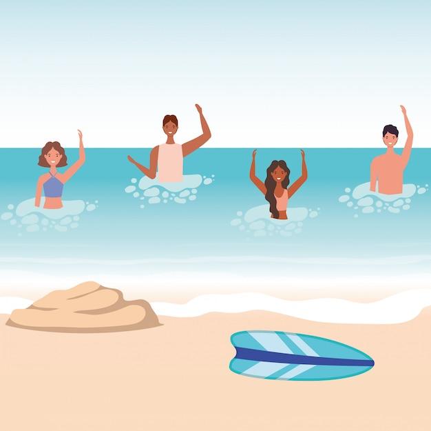 Cartoni animati di ragazze e ragazzi con costume da bagno in mare di fronte alla spiaggia con disegno vettoriale di tavola da surf