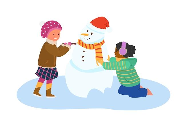 Ragazze che fanno pupazzo di neve. attività invernali. piatto isolato su bianco.