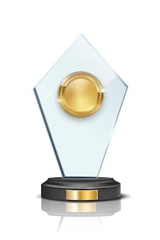 Premio di vetro con medaglia d'oro vuota 3d isolato su sfondo bianco