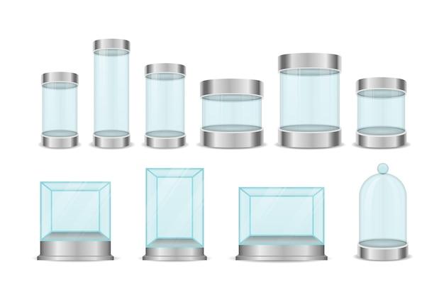 Cilindro della scatola di vetro isolato su bianco