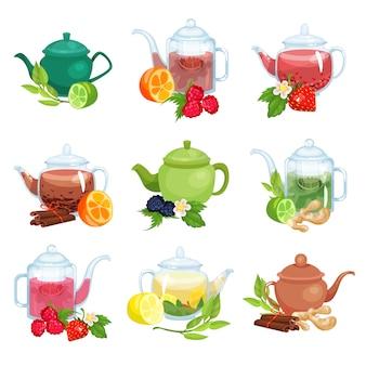 Set teiera in vetro e ceramica, tisana naturale con illustrazioni di frutti, bacche ed erbe Vettore Premium