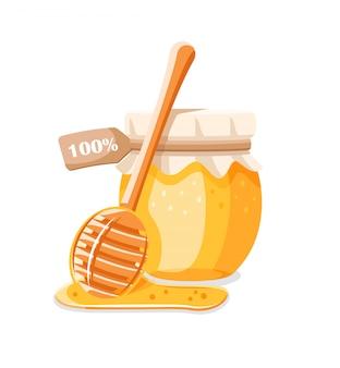 Vaso di vetro con miele, cucchiaio con gocce di miele isolato su sfondo bianco.