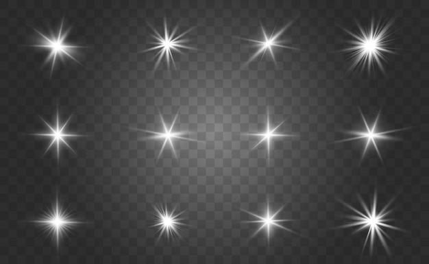 Set di effetti di luce bianca isolato bagliore, riflesso lente, esplosione, glitter, linea, flash solare e stelle. disegno astratto dell'elemento di effetto speciale. brilla raggio di fulmini
