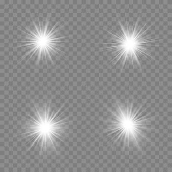 Set di effetti di luce trasparente bianco isolato bagliore, riflesso lente, esplosione, glitter, linea, flash solare, scintilla e stelle.