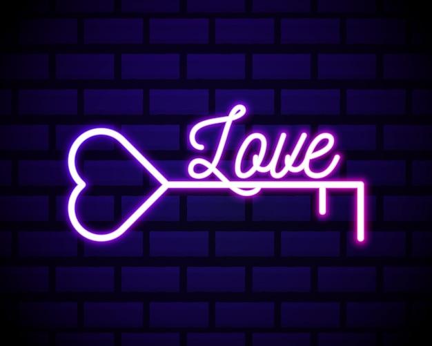 Linea al neon incandescente chiave nell'icona a forma di cuore isolata