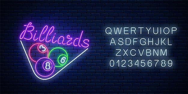 Insegna al neon incandescente del bar con biliardo con alfabeto. simbolo pubblicitario notturno della sala bar con gioco di biliardo.