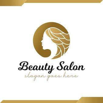 Faccia di bellezza di lusso dorata con parrucchiere, parrucchiere, taglio di capelli, logo di bellezza per capelli lunghi per salone