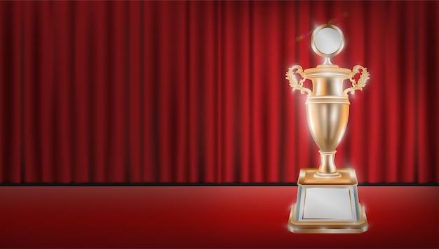 Trofeo d'oro con sfondo rosso sipario
